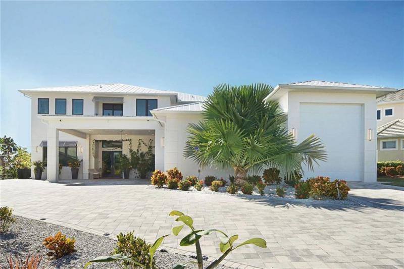 2416 Sw 49th Terrace, Cape Coral, Fl 33914