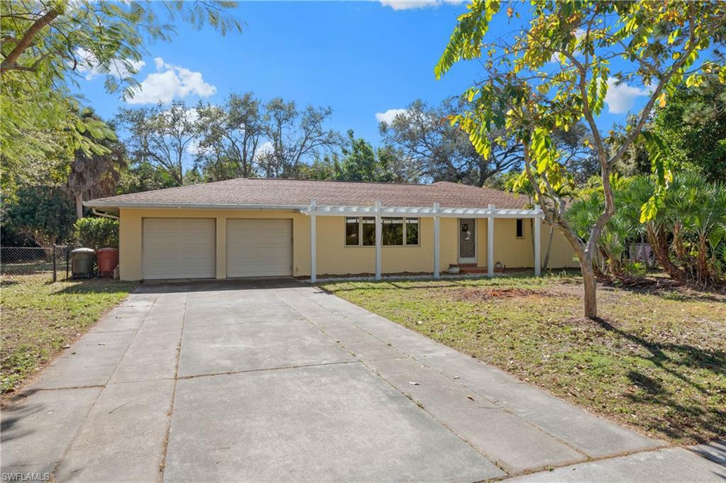 1344  Coconut,  Fort Myers, FL