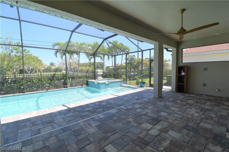 3061 Sunset Pointe Cir, Cape Coral, Fl 33914