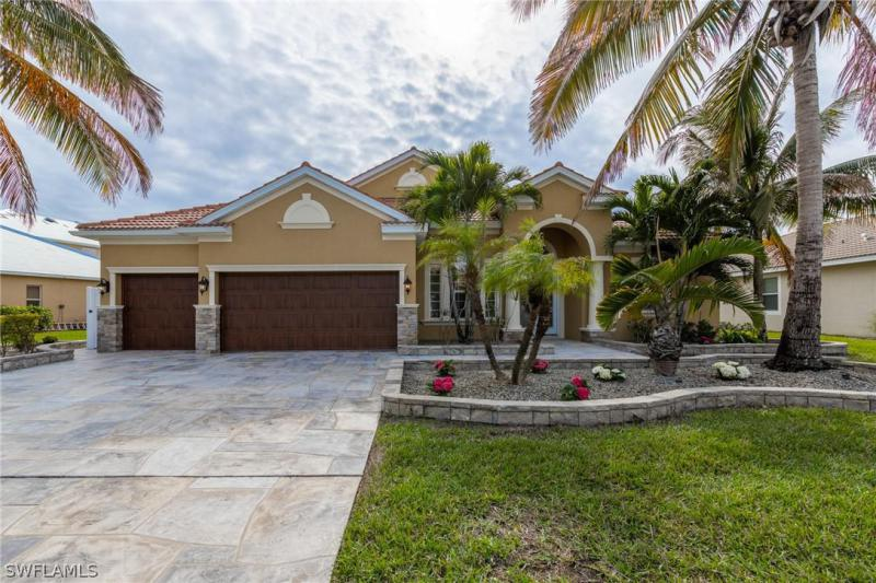 Via Rialto, Fort Myers in Lee County, FL 33905 Home for Sale