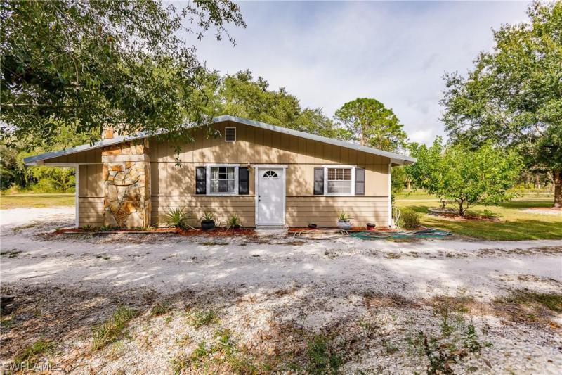 9751 W Bahia Vista, North Fort Myers, FL, 33917