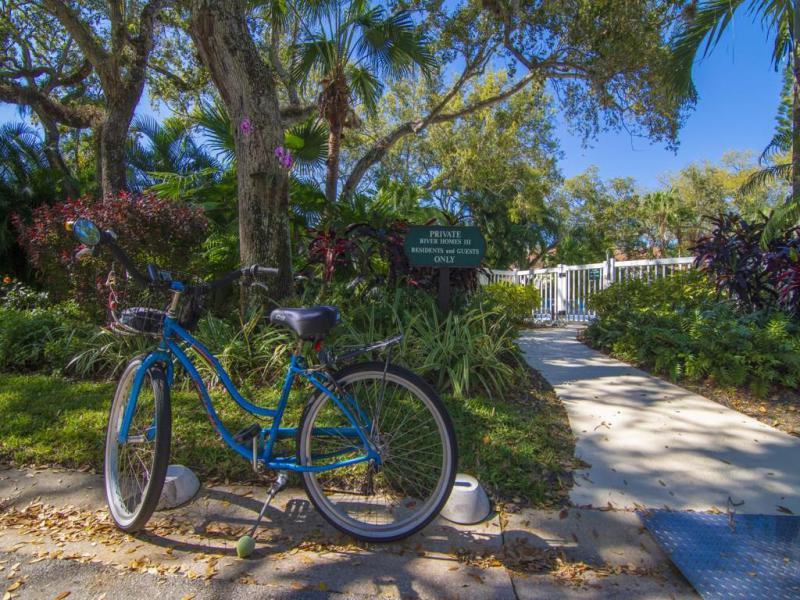 8785 Lakeside, Vero Beach, FL, 32963