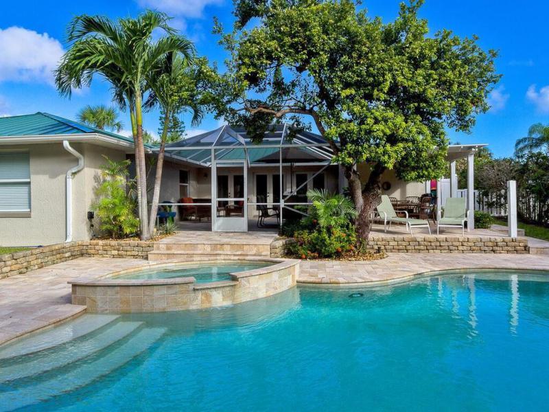716  Kumquat,  Vero Beach, FL