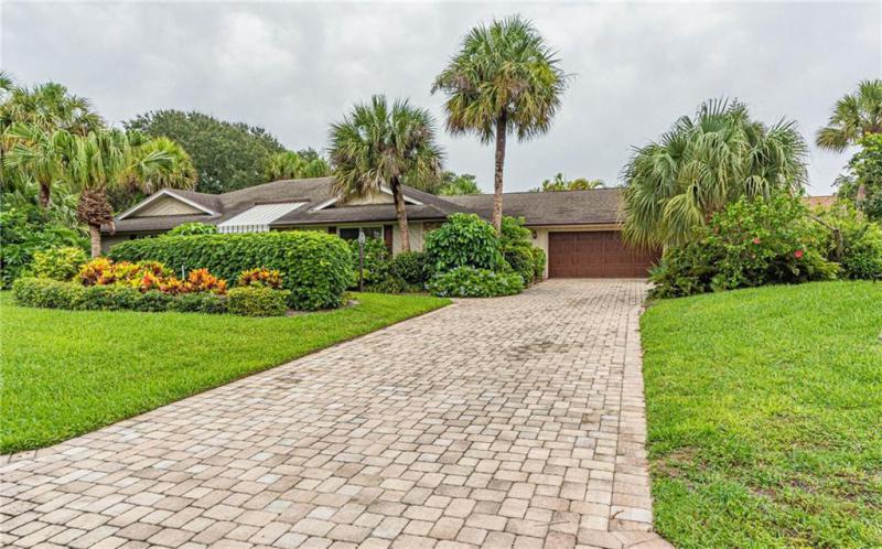 1310  Shorewinds,  Vero Beach, FL