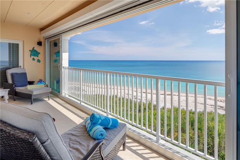 8810 S Sea Oaks Way,  Vero Beach, FL