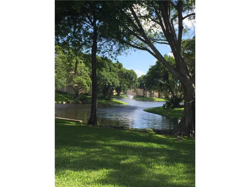 Deerfield Beach Condo/Villa/Co-op/Town Home A10153300