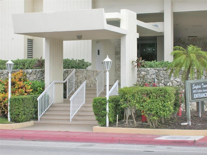 For Sale at  9511   Collins Ave #901 Surfside FL 33154 - Surfside Towers - 1 bedroom 1 bath A10184600_17