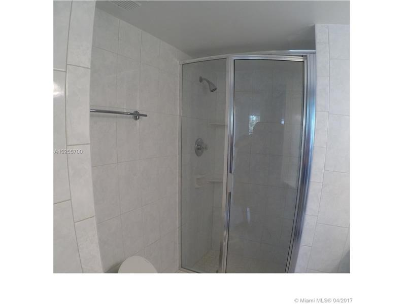 For Sale at  18151 NE 31St Ct #109 Aventura  FL 33160 - Biscayne Cove - 2 bedroom 2 bath A10255700_12