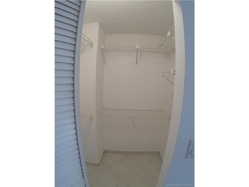 For Sale at  18151 NE 31St Ct #109 Aventura  FL 33160 - Biscayne Cove - 2 bedroom 2 bath A10255700_5