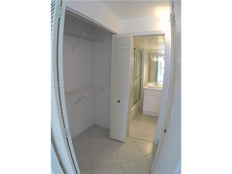 For Sale at  18151 NE 31St Ct #109 Aventura  FL 33160 - Biscayne Cove - 2 bedroom 2 bath A10255700_8