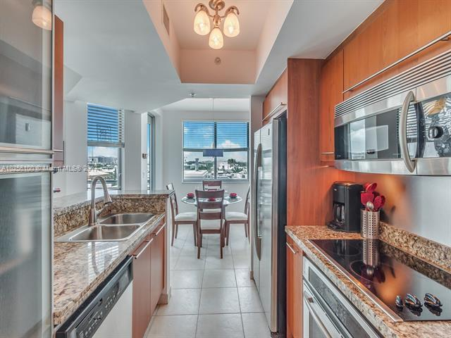 For Sale 110   Washington Ave #1823 Miami Beach  FL 33139 - The Cosmopolitan