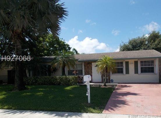 6961  Park St , Hollywood, FL 33024-3833