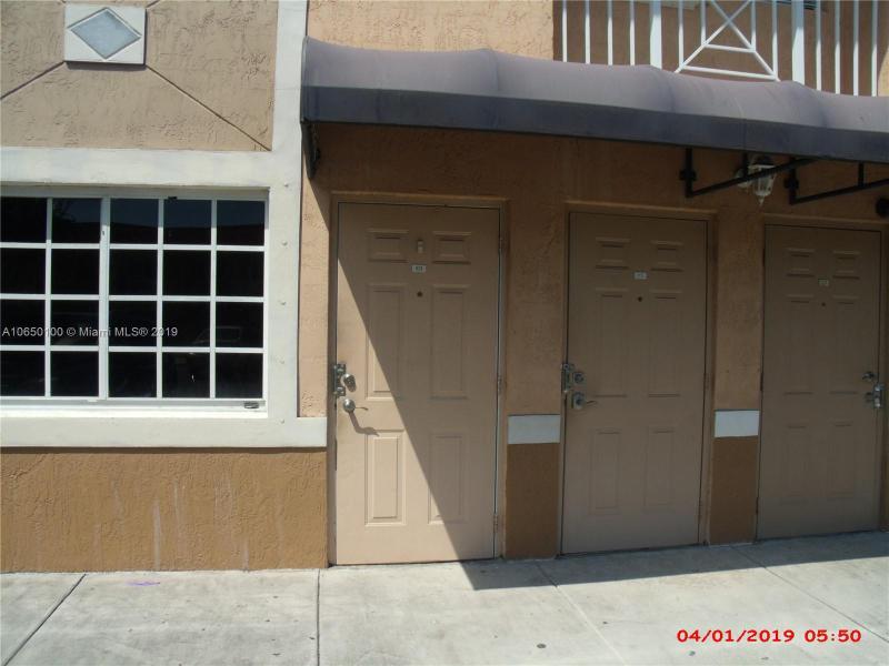 10101 W Okeechobee Rd  Unit 3, Hialeah Gardens, FL 33016-3122
