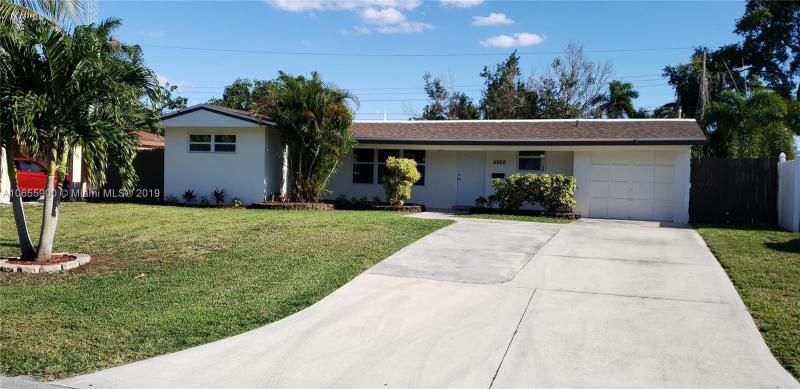 6670  Scott St , Hollywood, FL 33024-3935