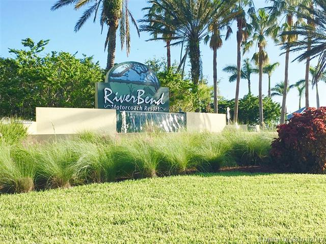 3124 E RiverBend Resort Blvd, LABELLE, FL, 33935