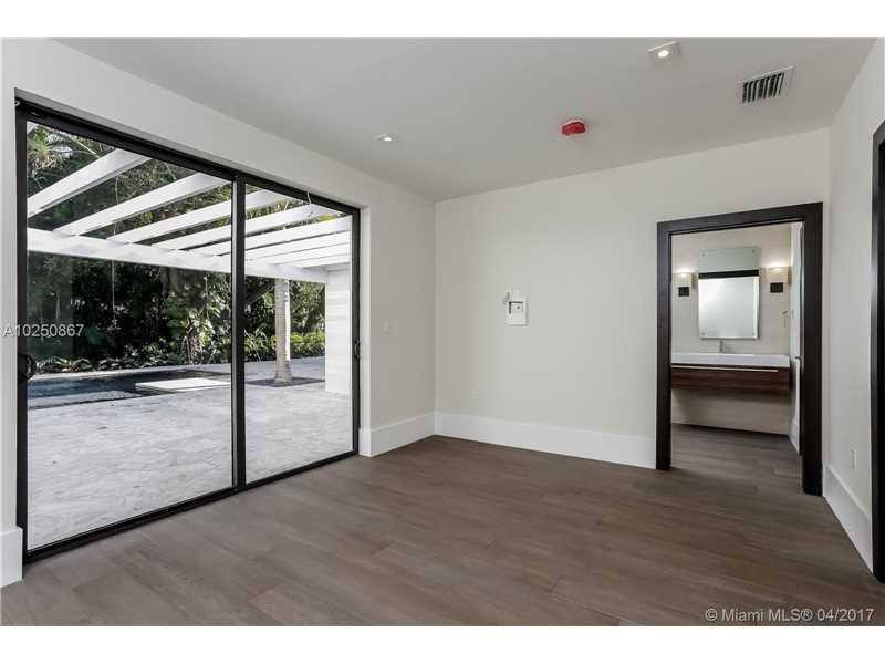 For Sale at  510   Tivoli Ave Coral Gables  FL 33143 - Coral Gables Biscayne Bay - 4 bedroom 3 bath A10250867_13