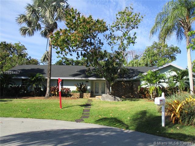 8221 SW 185th St,  Cutler Bay, FL
