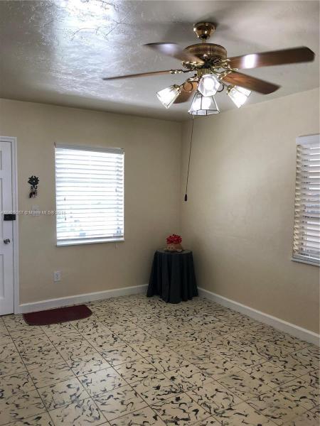 Imagen 15 de Single Family Florida>Hialeah>Miami-Dade   - Sale:289.900 US Dollar - codigo: A10429267