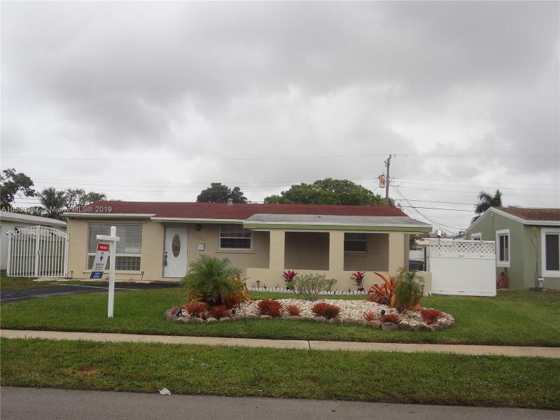 7420  Johnson St , Hollywood, FL 33024-7108