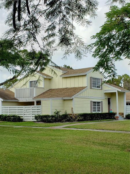 13709 SW 149 Cir Ln  Unit 2, Miami, FL 33186-8257