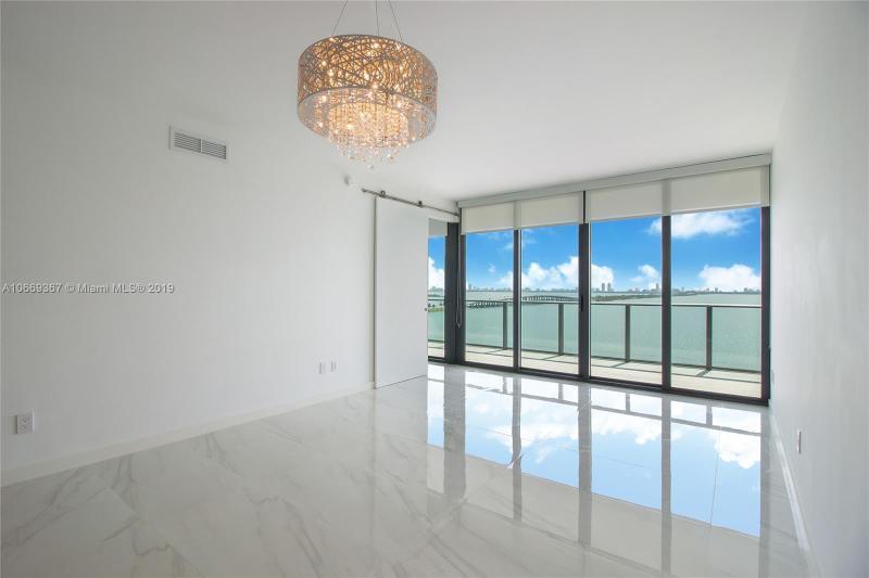 3131 NE 7th Ave,  Miami, FL