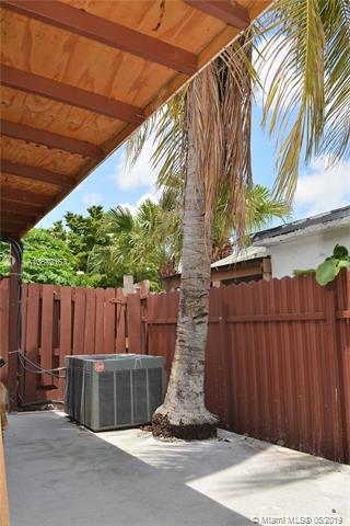 3955 W 10th Ct, Hialeah, FL, 33012