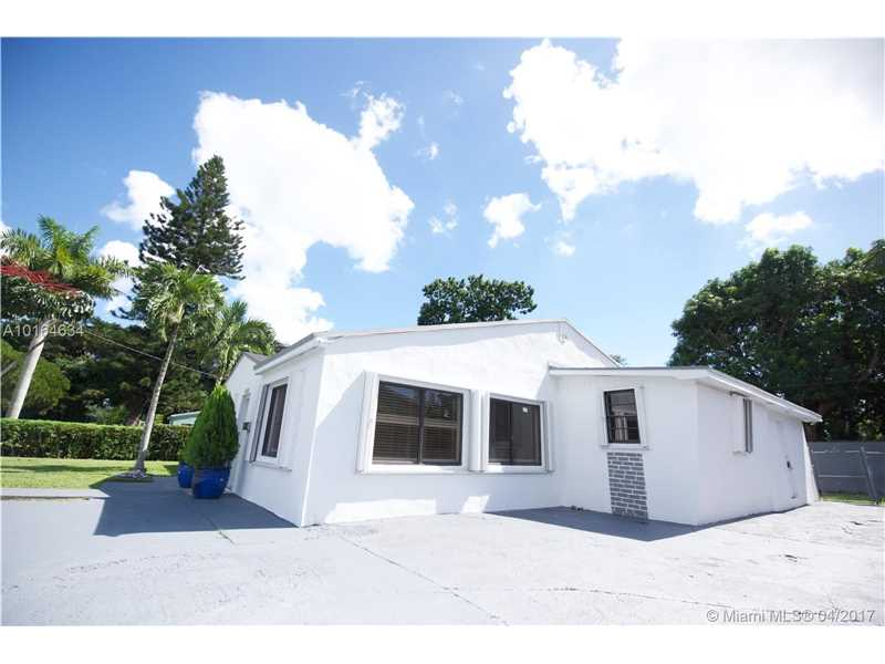 6220 61st St , South Miami, FL 33143