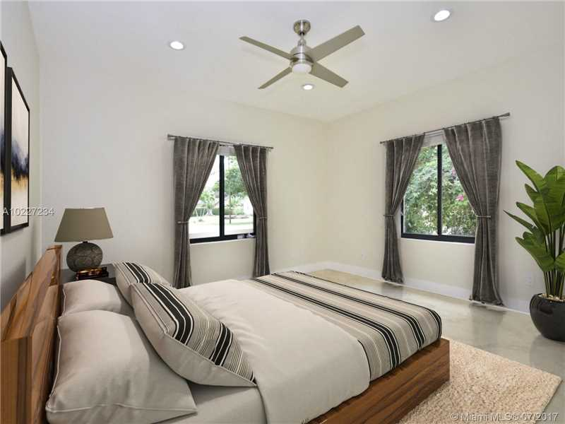 For Sale at  11004 NW 2Nd Ave Miami Shores  FL 33168 - Shoreland Heights - 4 bedroom 3 bath A10227234_8