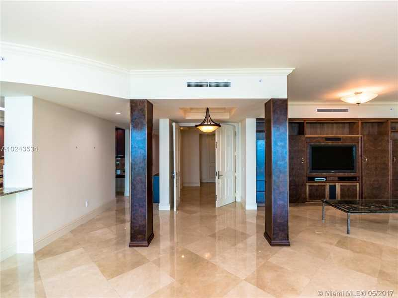 For Sale at  10295   Collins Ave #2207 Bal Harbour  FL 33154 - One Bal Harbour - 3 bedroom 3 bath A10243534_5