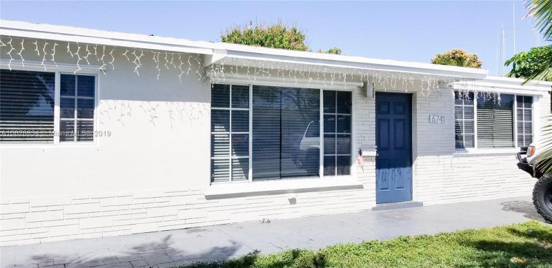 2105 66th Avenue, Hollywood FL 33024-