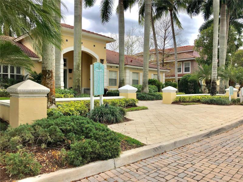 6312 Sample Rd, Coral Springs FL 33067-3232