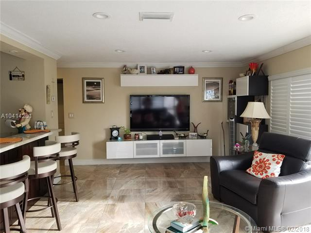 GOLDEN ISLES TOWERS CONDO Gold