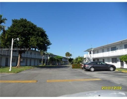 1351 NE Miami Gardens Dr  Unit 811, Miami, FL 33179-5067