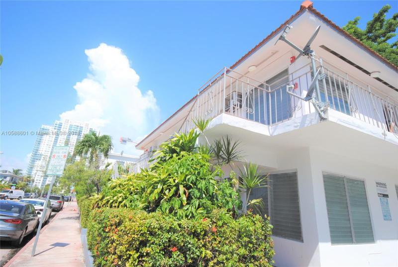 7130  Carlyle Ave  Unit 4, Miami Beach, FL 33141-3091