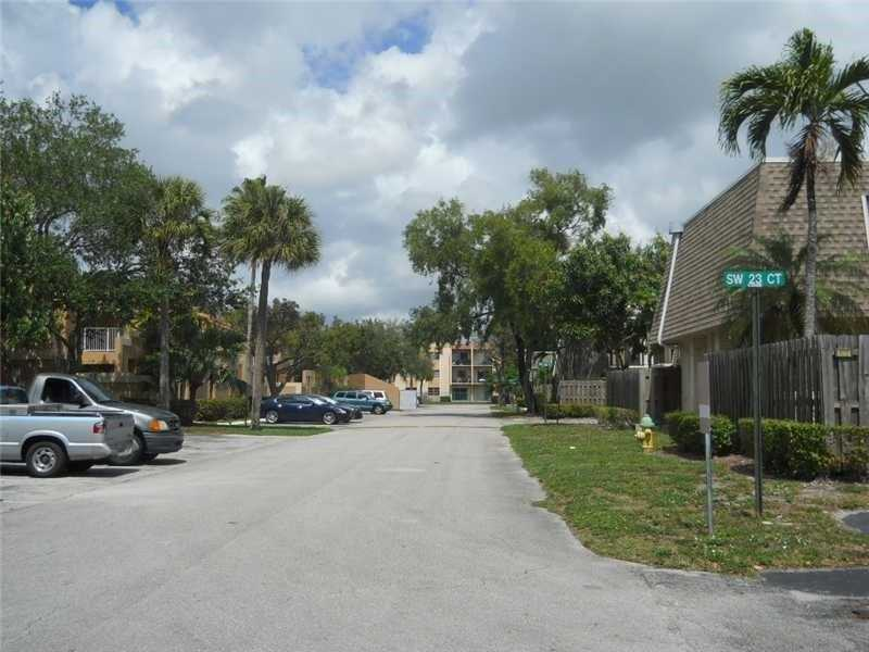 North Lauderdale Condo/Villa/Co-op/Town Home A10140168