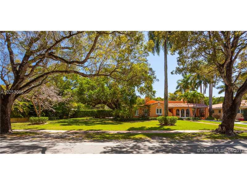 For Sale 1316   Alhambra Cir Coral Gables  FL 33134 - Coral Gables Sec E