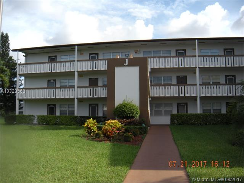 1305 Bridgewood Dr, Boca Raton FL 33434-4155