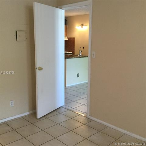 Imagen 7 de Residential Rental Florida>Coral Springs>Broward      - Rent:1.200 US Dollar - codigo: A10429768