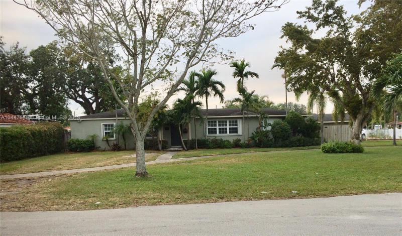 Photo of 200 SW 66th Avenue, Miami, FL 33144