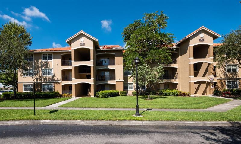 101 132nd Way, Pembroke Pines FL 33027-2009