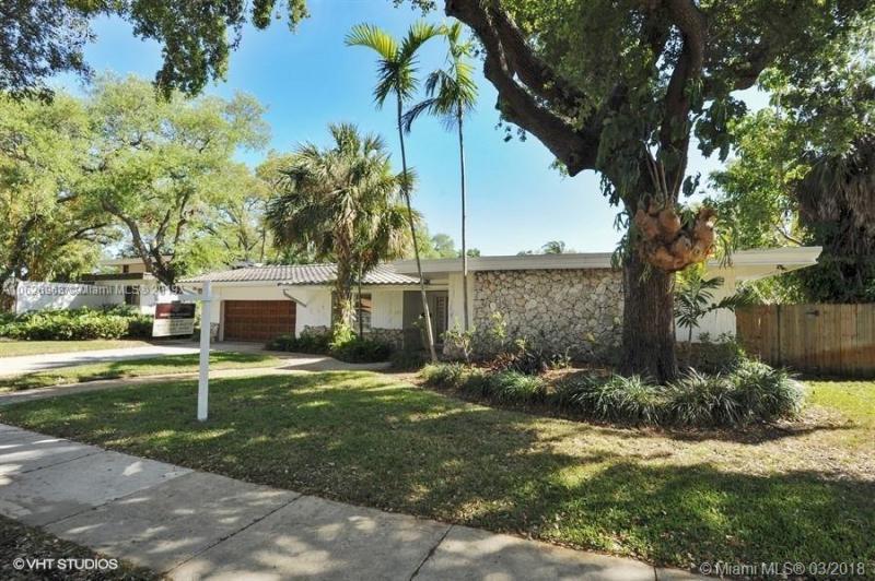 2240 NE 201st St,  Miami, FL
