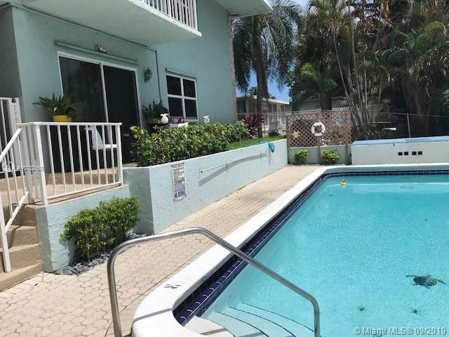 2400 NE 16th St,  Pompano Beach, FL