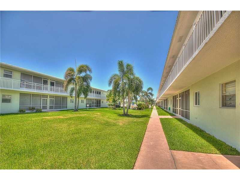 Lighthouse Point Condo/Villa/Co-op/Town Home A10117735