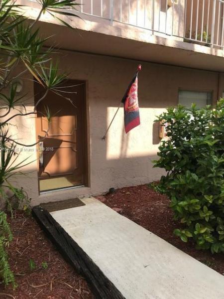 685  Miller Dr , Miami Springs, FL 33166-6164