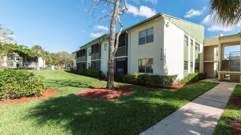 2947 Riverside Dr, Coral Springs FL 33065-5574