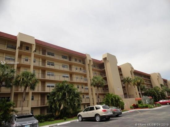 4650 Carlton Golf Drive, Lake Worth FL 33449-