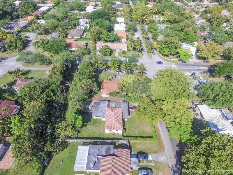 For Sale at  12075 NE 10Th Ave Biscayne Park  FL 33161 - Priors 1St Addn To Biscay - 3 bedroom 2 bath A10245102_22