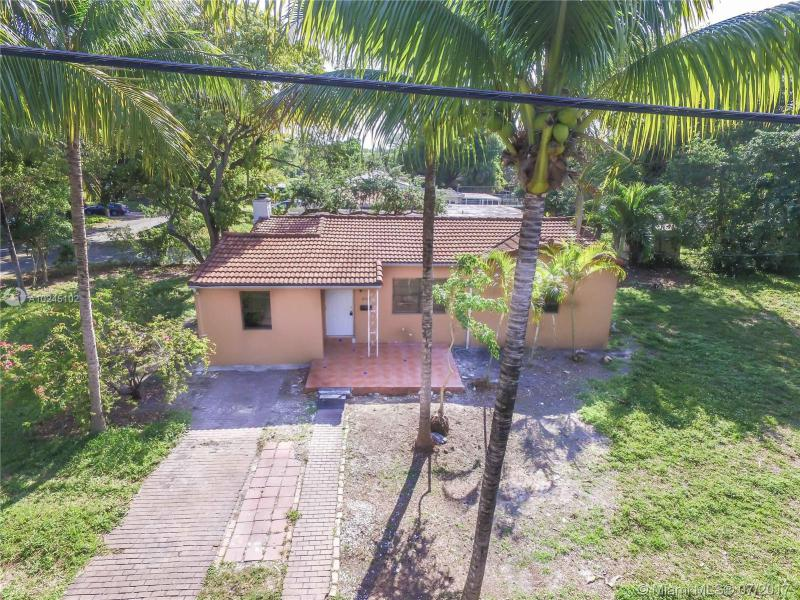 For Sale at  12075 NE 10Th Ave Biscayne Park  FL 33161 - Priors 1St Addn To Biscay - 3 bedroom 2 bath A10245102_23