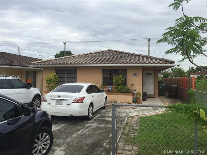 Single Family En Sale En Miami-Dade  , Hialeah, Usa, US RAH: A10385402