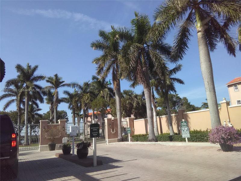 7703 NW 114th Path , Doral, FL 33178-1383